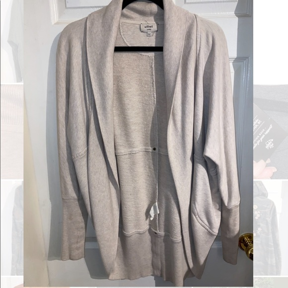 Wilfred from Aritzia cocoon cardigan size XS